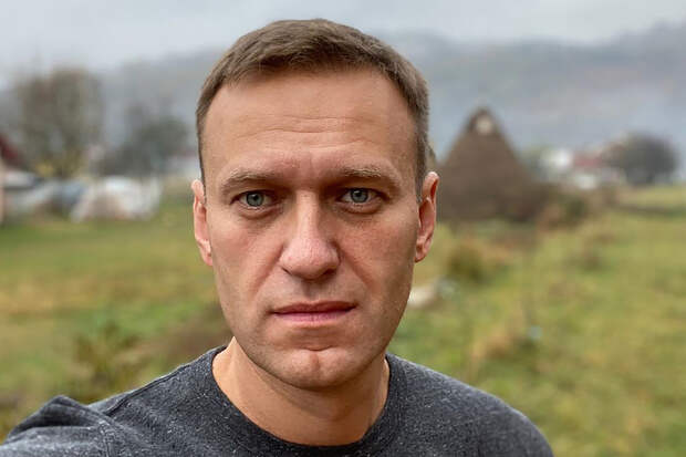 Российский врач объяснил, почему не верит в отравление Навального