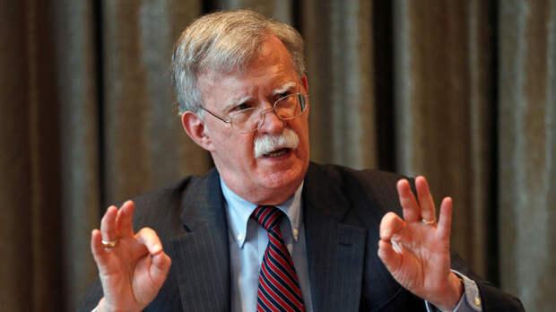 Болтон намерен обсудить санкции против Белоруссии в ходе визита в Минск