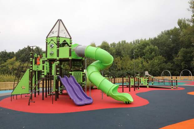 Две детские площадки установят в парке «Швейцария»