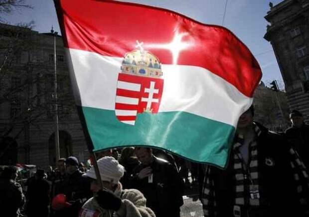«Венгры придут и восстановят справедливость»: Будапешт не оставляет Киеву шансов в Закарпатье