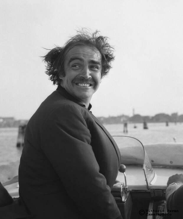 Редкие фотографии известных людей, отдыхающих в Венеции в 1950-60-е годы 14