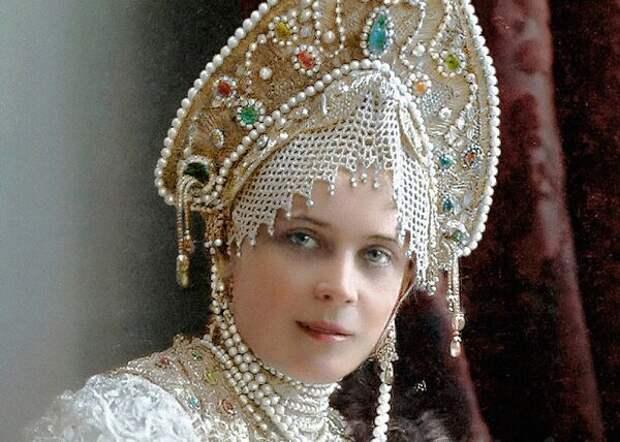 Из князей  - в грязь. Полная трагедий и потерь жизнь Зинаиды Юсуповой - самой богатой красавицы начала XX века