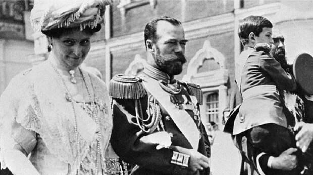 Как супругу Николая II кухаркой прозвали