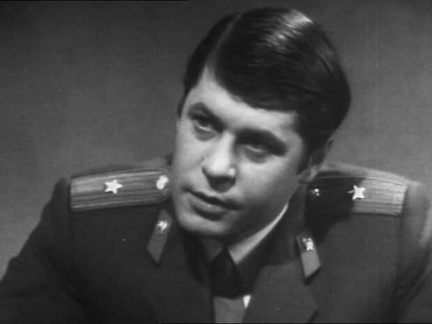 Панический страх бабок, шантаж поклонниц и корзина яблок. Георгий Мартынюк