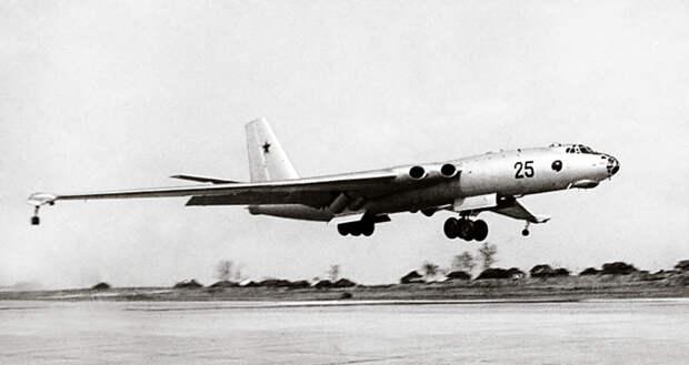 65 лет назад впервые взлетел дальний бомбардировщик М-4