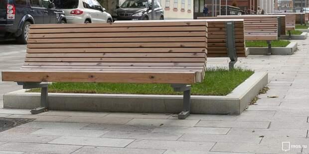 На Ленинградку вернули недостающие скамейки — «Жилищник»
