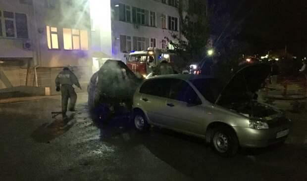 Ночью в Евпатории сгорели «Лексус» и «Лада Калина»