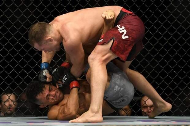 Эмеев: «Очень обидно за Яна. Стерлинг сыграл на публику, он знал, что выиграл пояс UFC»