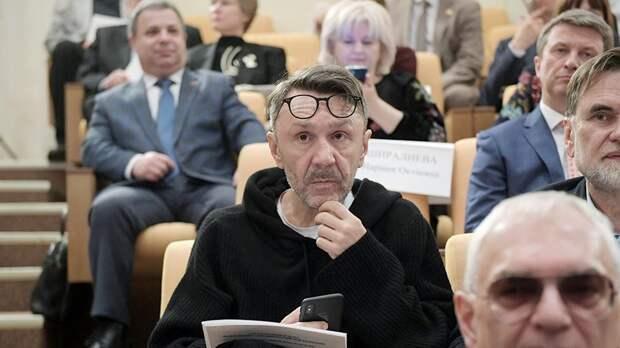 Шнуров предложил разогнать Минкульт на слушаниях в Госдуме