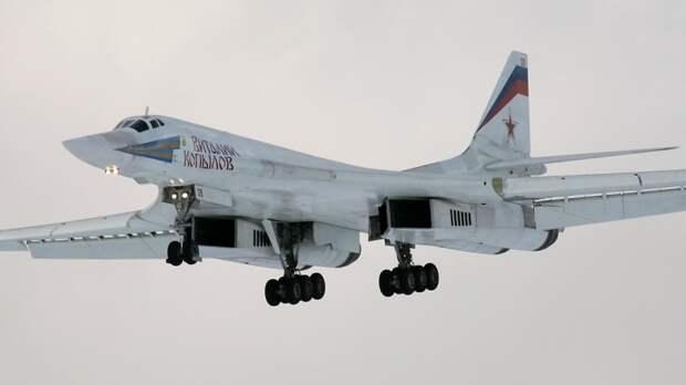 Sina: уникальность российского бомбардировщика Ту-160 вызывает «животный страх» у США