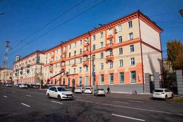 Лепнина и новые балконы: реставрацию фасада «сталинки» на улице Пушкинской в Ижевске завершат к концу недели