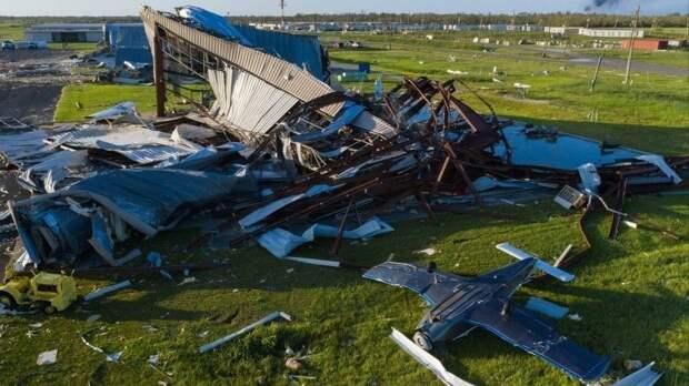 Видео: Мощный ураган Лаура обрушился на США. Есть жертвы