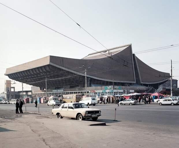 Кинотеатр «Россия» в Ереване, Армения