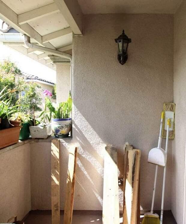 Простейшая переделка балкона из бросовых материалов