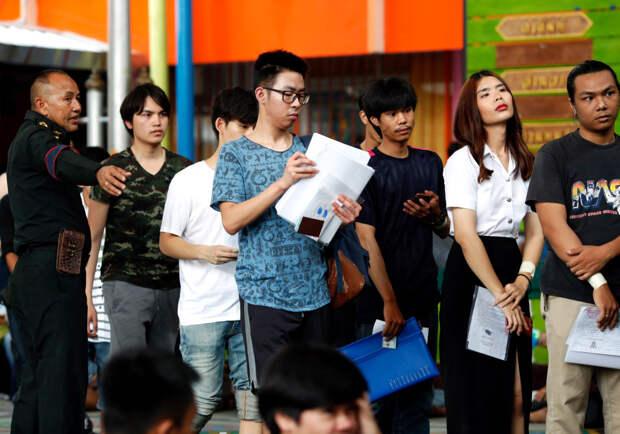 Родина-мать зовет! Как проходит весенний призыв в Таиланде