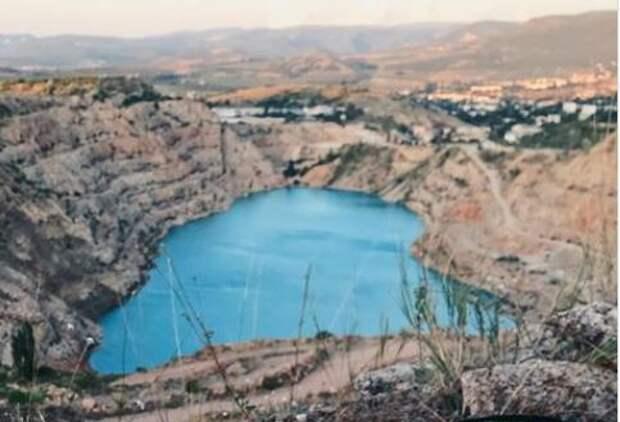 Минобороны поможет обеспечить водой Севастополь, перебрасывая её из Кадыковского карьера