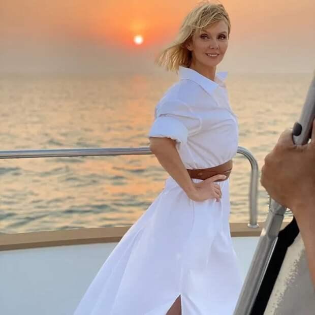 «Вечно молодая!»: помолодевшая Валерия на яхте в Дубае восхитила мужчин