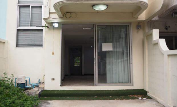 Пара потратила последние деньги на старый дом в Бангкоке. Строение не ремонтировали 30 лет, но через полгода он стал домом мечты
