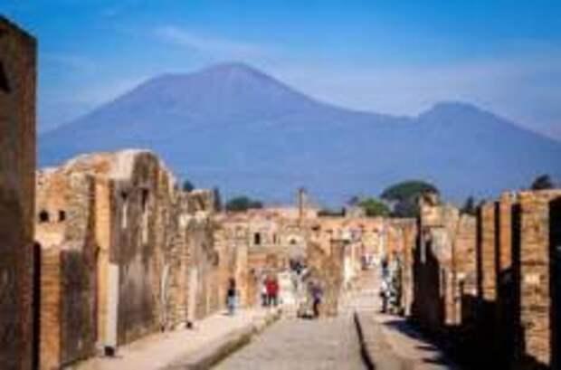 В Помпеях обнаружена надпись, меняющая историю