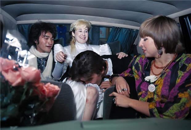 А свадьба пела и плясала: Как заключали браки звёзды советского рока