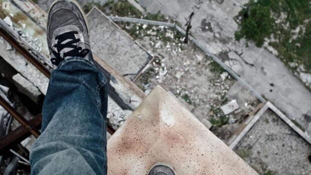 Суицид или убийство? В Казани подросток выпал с балкона