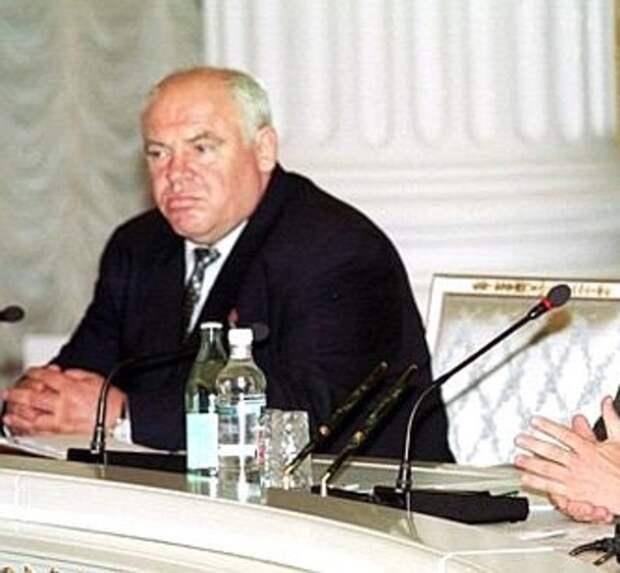 Десять лет рейдерства исотни пострадавших: мощный концерн «Покровский» тонет