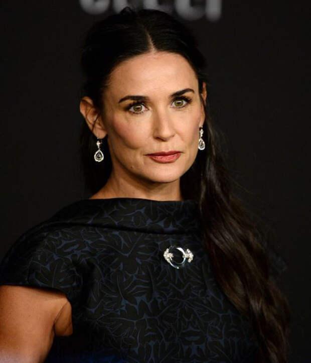 Что знаменитости делают в 50, чтобы выглядеть на 30?
