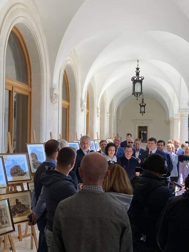 Ливадийскому дворцу-музею передали 100 картин Бернштейна
