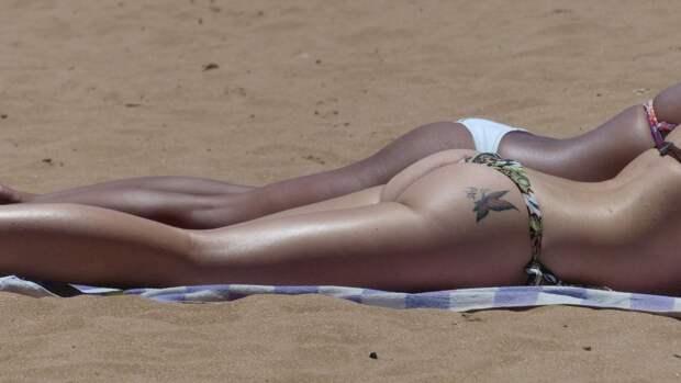 Дерматолог предупредил о смертельной опасности солнечных татуировок