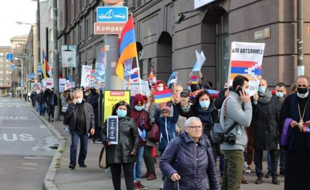 Эстонские армяне провели «Марш мира» вТаллине