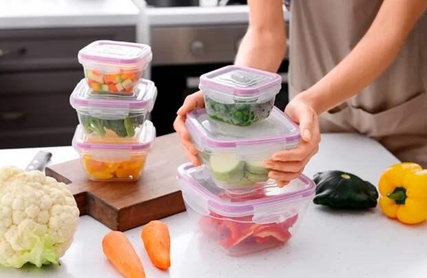 Как выбирать, хранить и правильно ухаживать за пластиковыми контейнерам