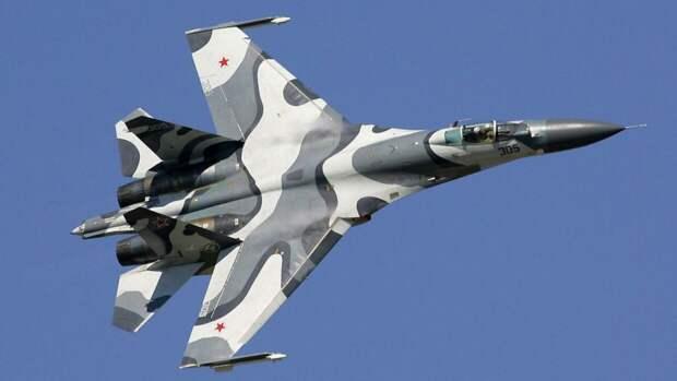 Российский Су-27 перехватил самолеты США и Великобритании над Черным морем