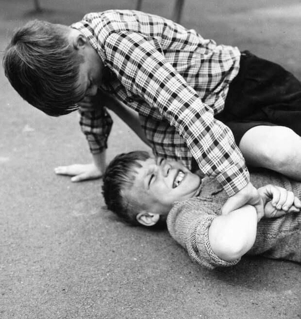 Children-fighting-schoolyard-fight-Getty-Images-By-Erich-Auerbach