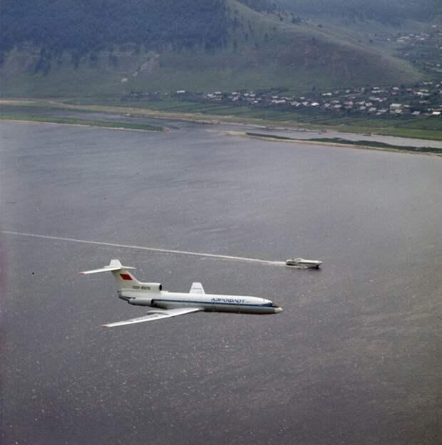 Самолет Ту–154 и «Ракета», 1980–е годы, СССР история, ретро, фото