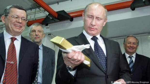 Кому Владимир Путин простил $125 млрд долга
