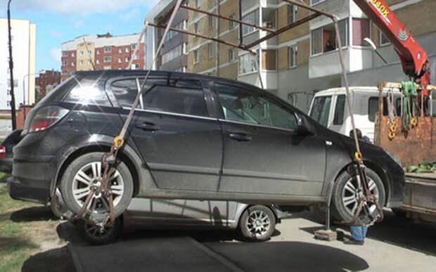 Автовладелец лишился иномарки. Не пожелал платить пострадавшему по его вине человеку!