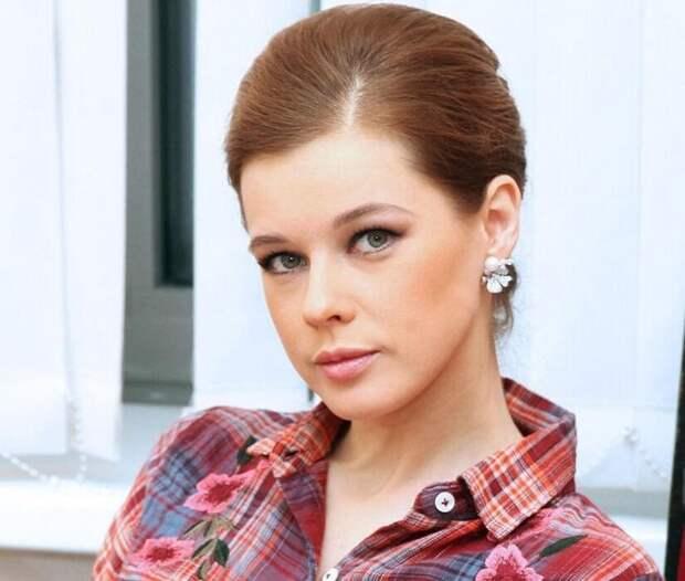 «С ума сойти, такие красотки!»: российские актрисы, при виде которых у мужчин отвисает челюсть. Часть 2
