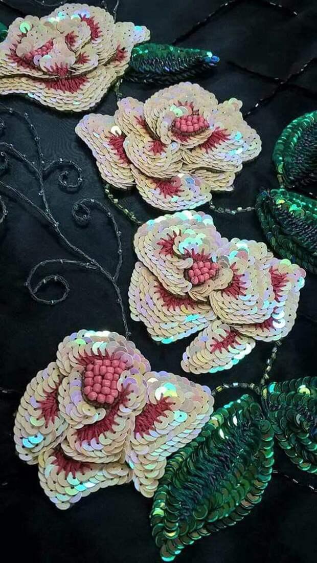 Вышивка пайетками: примеры декора одежды, схемы и идеи