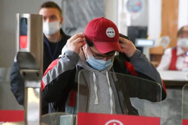 """Цена на маски в метро снижена в несколько раз / Фото: Агентство """"Москва"""""""