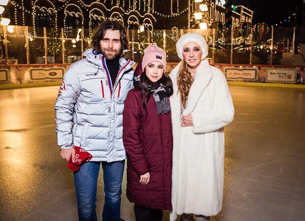 Татьяна Навка, Алина Загитова, Петр Чернышев и другие на открытии ГУМ-катка