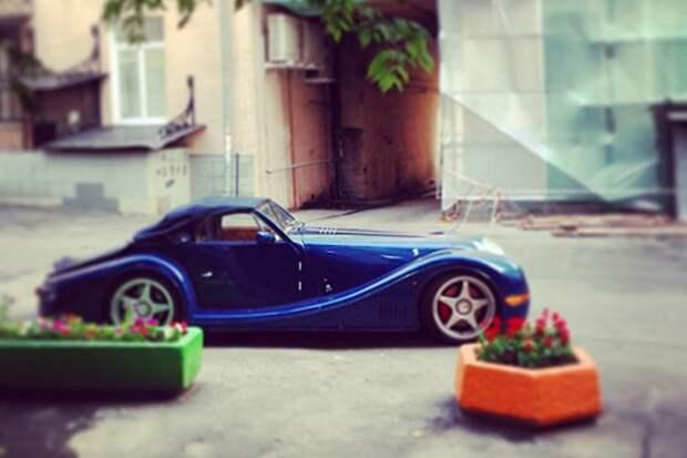 10 самых дорогих автомобилей знаменитостей
