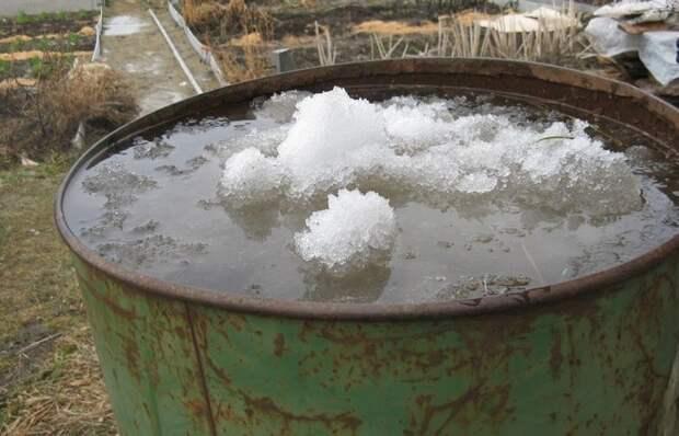 Что нужно сделать, чтобы бочка с водой не лопнула в сильный мороз
