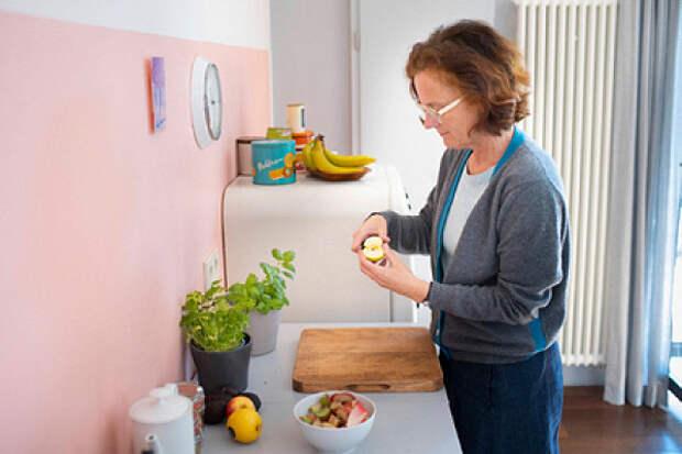 Названы самые вредные женские пищевые привычки