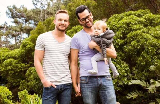 Однополые пары пагубно влияют на воспитание ребенка: доказательства