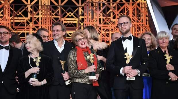 Золотой орёл-2021: Анна Михалкова, Светлана Немоляева и Кристина Асмус