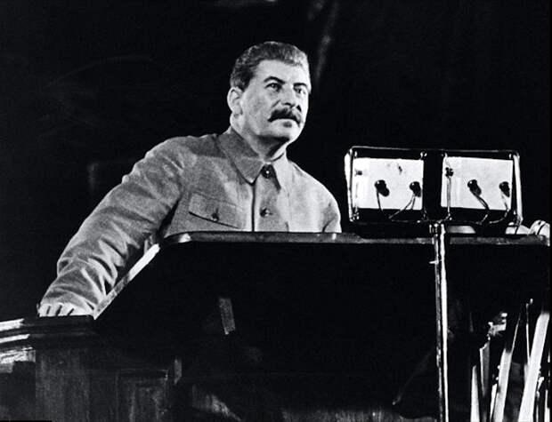 Товарищ Сталин критикует нынешние поправки в Конституцию