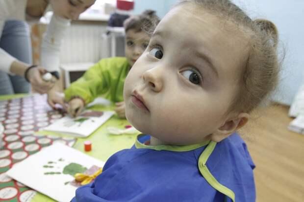 Дом культуры «Заречье» в Некрасовке приглашает детей поучаствовать в творческом мастер-классе. Фото - Агентстсво Москва