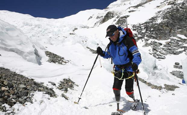 Эверест любой ценой: истории настоящих безумцев