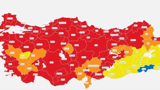 В Турции ввели комендантский час. Как это отразится на туристах из России