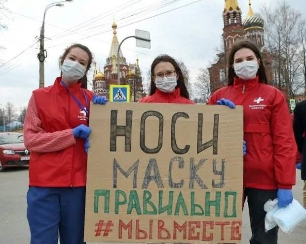 Волонтёры Ижевска продолжат бесплатно раздавать медицинские маски на остановках